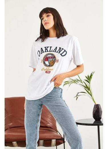 Sortee Kadın Oakland Baskılı T-Shirt Beyaz